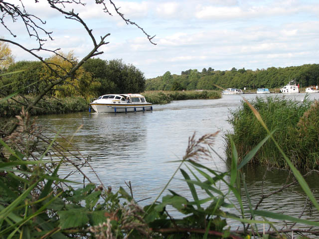 Boat travelling on the River Waveney