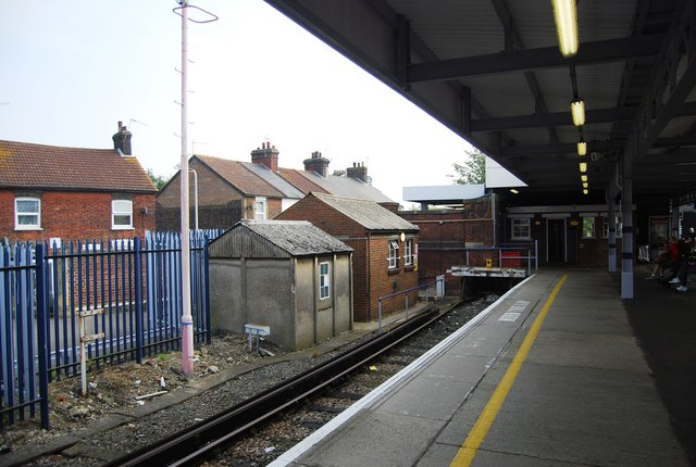Platform 4, Tonbridge Station