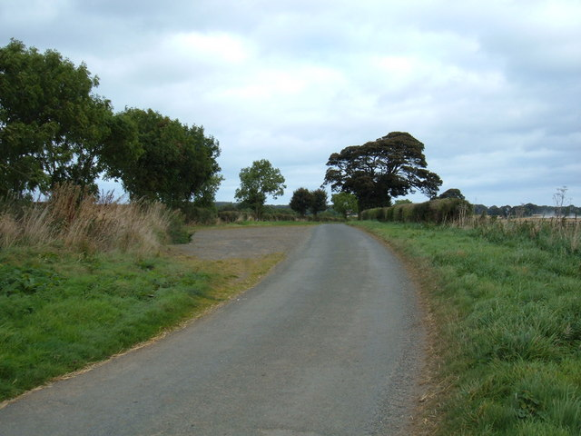 Limestone Lane towards Suffield
