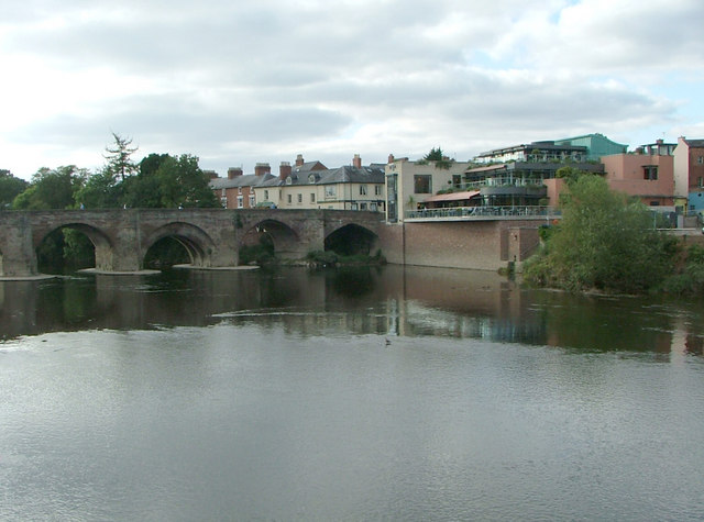 The Old Wye bridge and South Bank Restaurant
