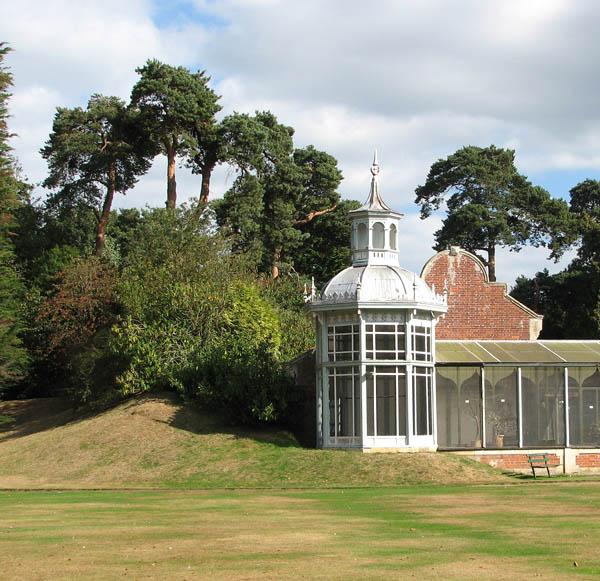 Somerleyton Hall - pagoda by aviary