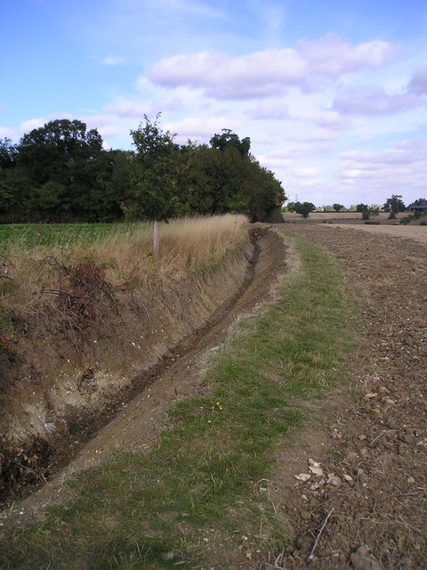 Ditch and footpath near Culpho