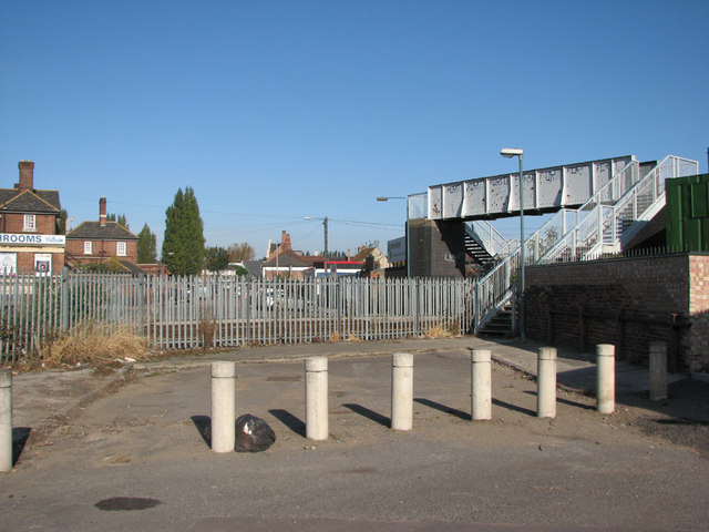 Bobbers Mill - site of level crossing