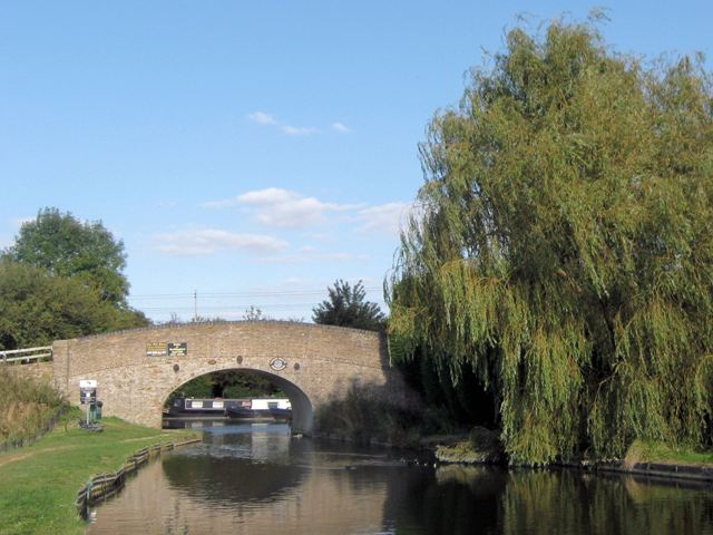 Grand Union Canal Bridge No 126, Pitstone