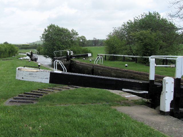 Grand Union Canal – Marsworth Bottom Lock No 37