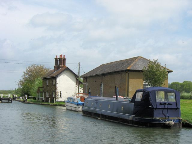 Grand Union Canal – Engine House at Marsworth
