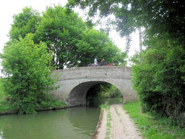 Grand Union Canal Bridge 129, Marsworth