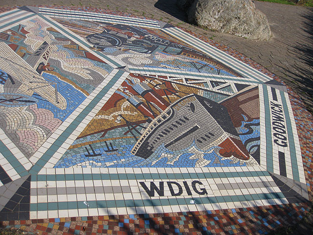 Mosaic on the Parrog