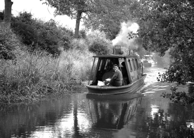 Steam-powered boat on the Stratford Canal