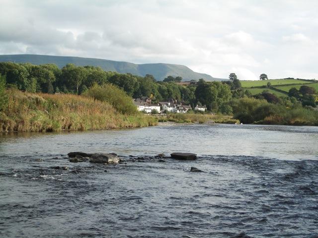 River Wye, looking upstream towards Glasbury
