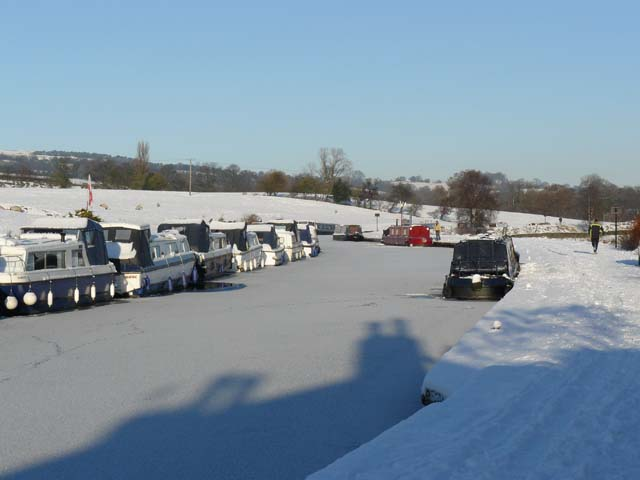 Canal moorings, icy conditions