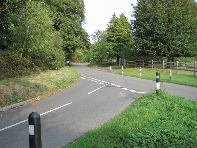 Junction of Fysie Lane and Burgh Hill