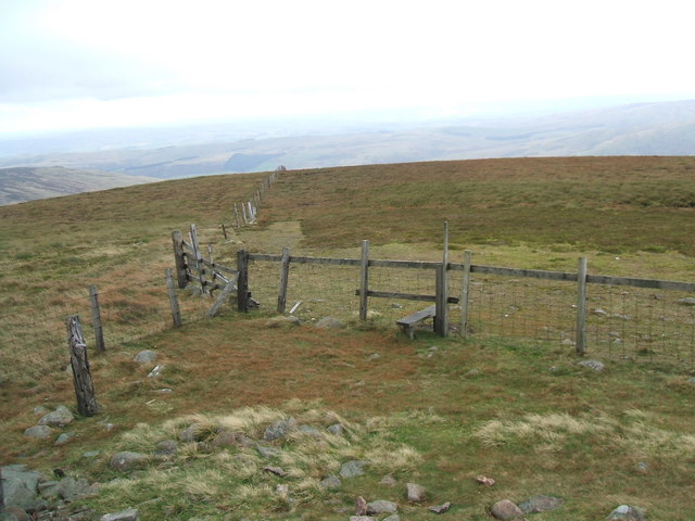 Fence on Hedgehope Hill