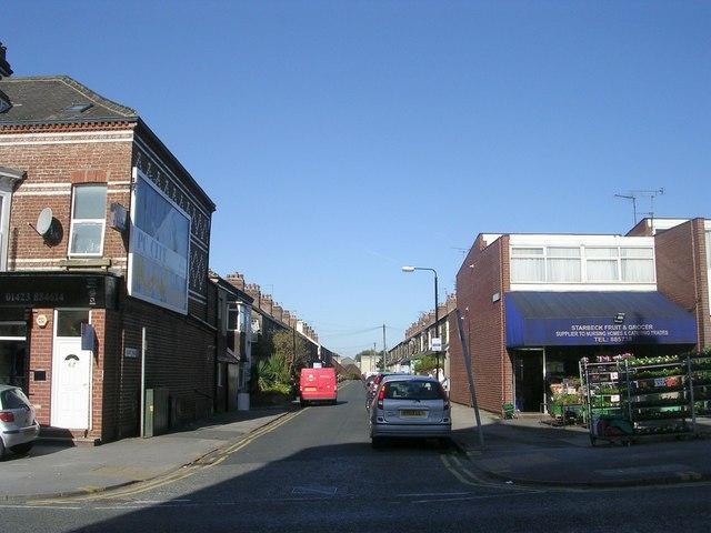 Albert Place - High Street