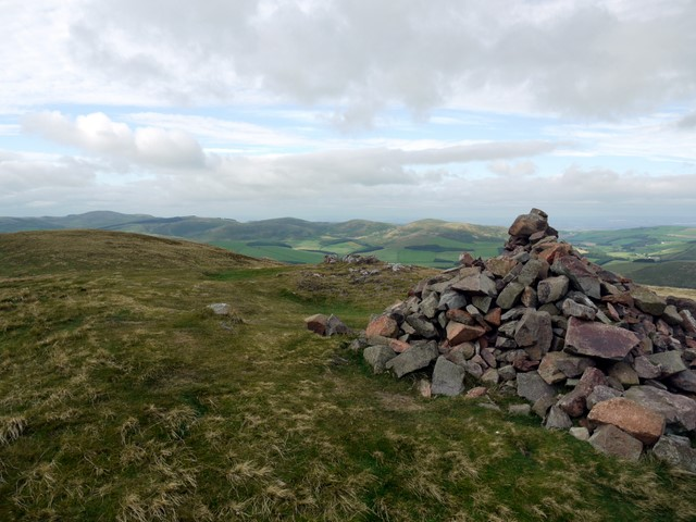 Summit cairn, Yeavering Bell