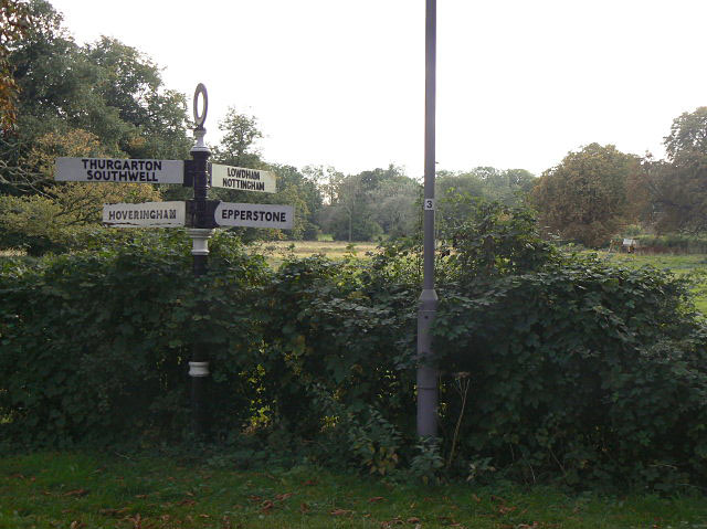 Misleading signpost (1)