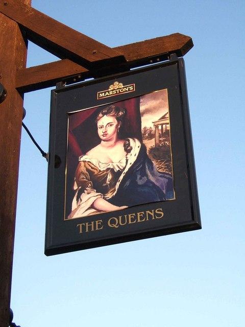 The Queens pub sign, Queens Hill