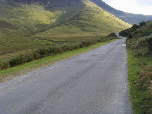 Lane to Newlands Hause