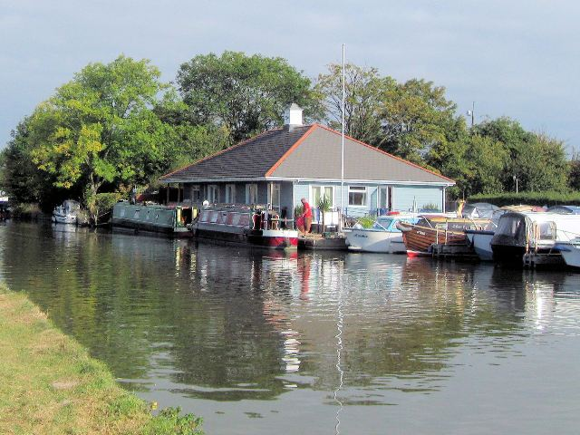Grand Union Canal – Dunstable & District Boat Club Marina