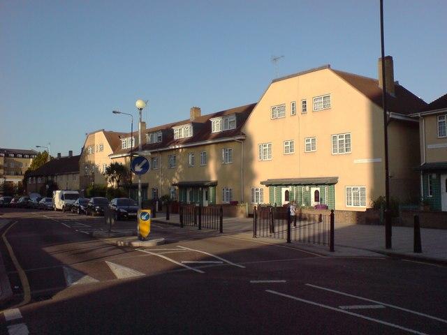 Houses on Aston Street, E14
