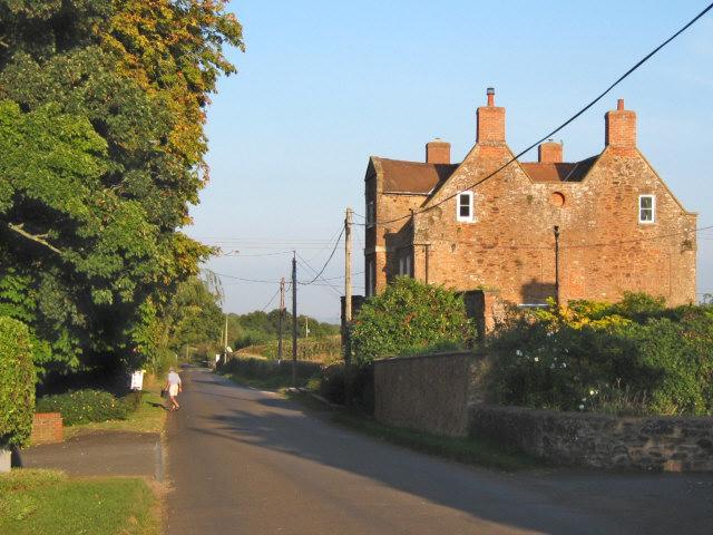 Road through Enmore village