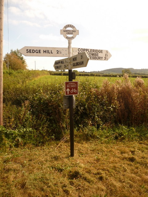 Motcombe: North End Cross signpost