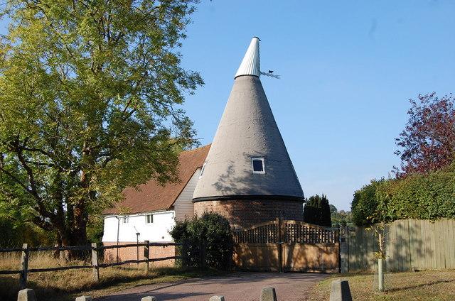 Oast house near Tanhouse Farm
