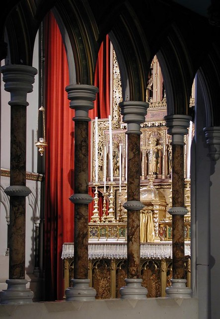 St Stephen, Gloucester Road, London SW7 - Glimpse of high altar