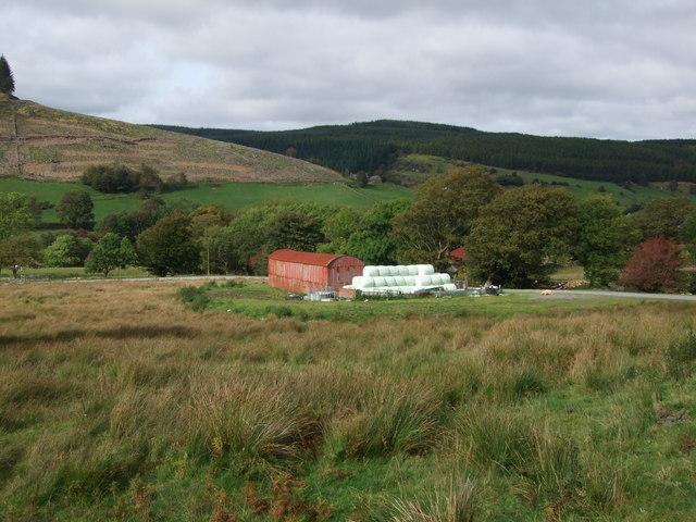 Barn and bales at Penmachno (1)