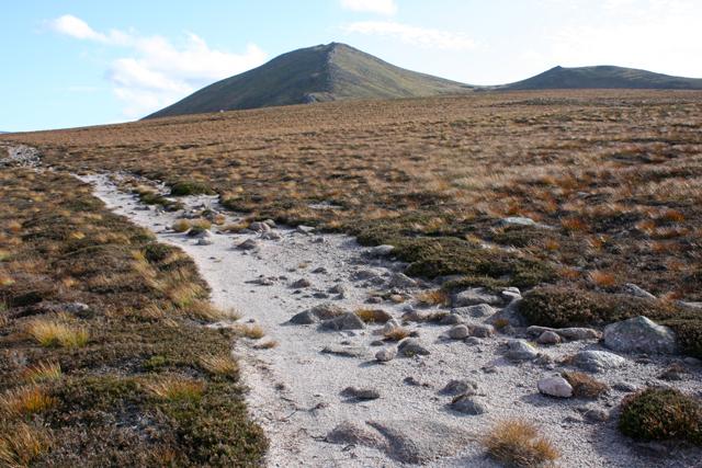 Lairig an Laoigh path