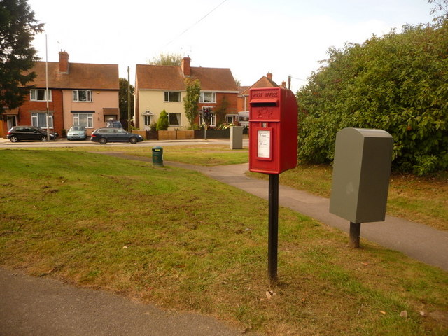 Shaftesbury: postbox № SP7 116, Mampitts Road