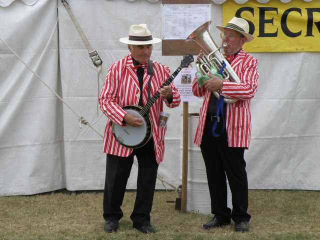 Entertainers at Gransden show