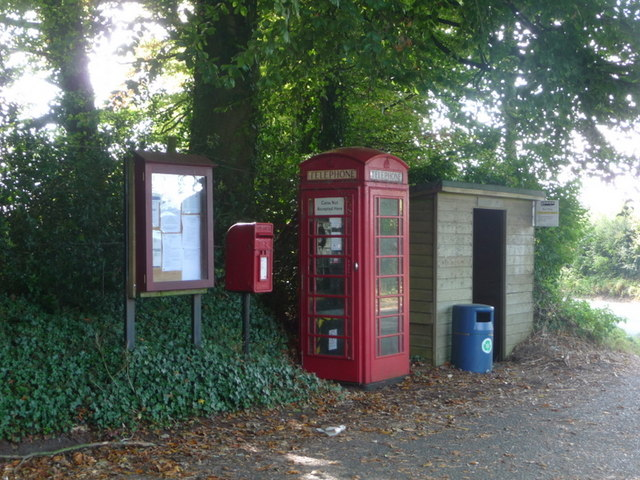 Compton Abbas: postbox № SP7 29 and phone