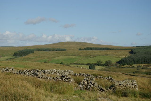 Sheepfold south of Maurs Cairn