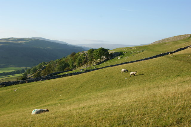 The Dales Way passes above Swineber Scar