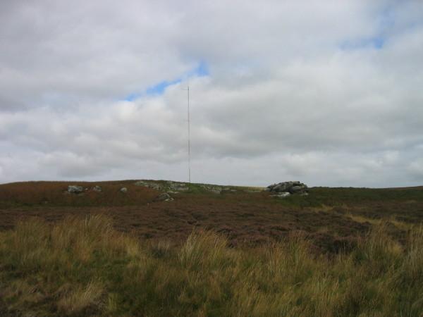 Mast on Quarryhouse Moor