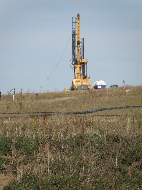 Drilling rig on Dogsthorpe tip