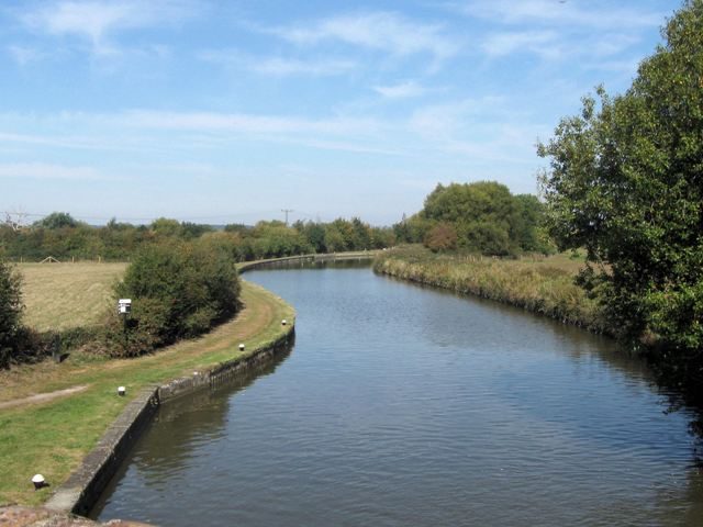 Grand Union Canal – Between the Ivinghoe Locks