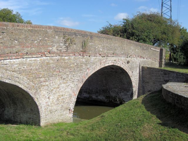 Grand Union Canal – Bridge No 122