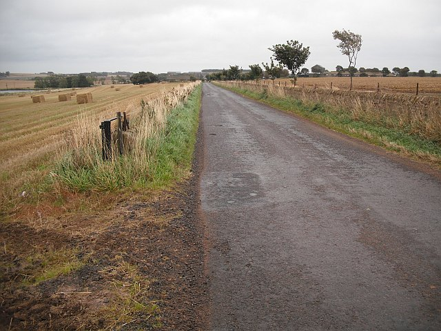 Long straight road, Boghead