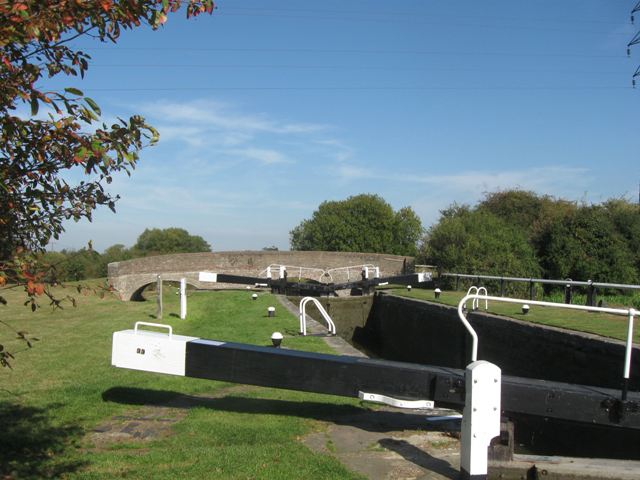 Grand Union Canal – Ivinghoe Top  Lock No 33