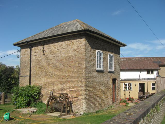 Grand Union Canal – Ivinghoe Engine House