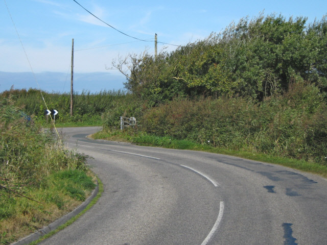 Winding road to Lympsham