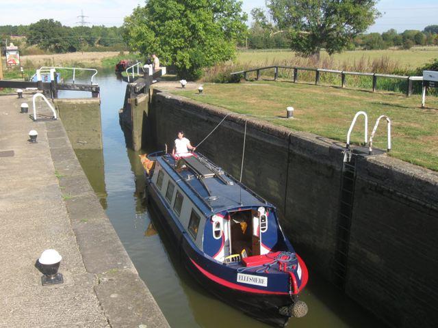Grand Union Canal - Grove Lock No 28