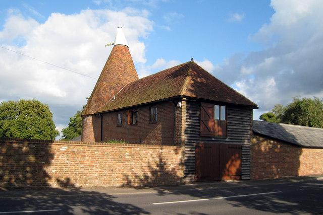 The Oast House, Gatehouse Farm, Northiam Road, Staplecross, East Sussex