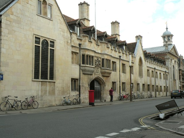 The main entrance to Pembroke College