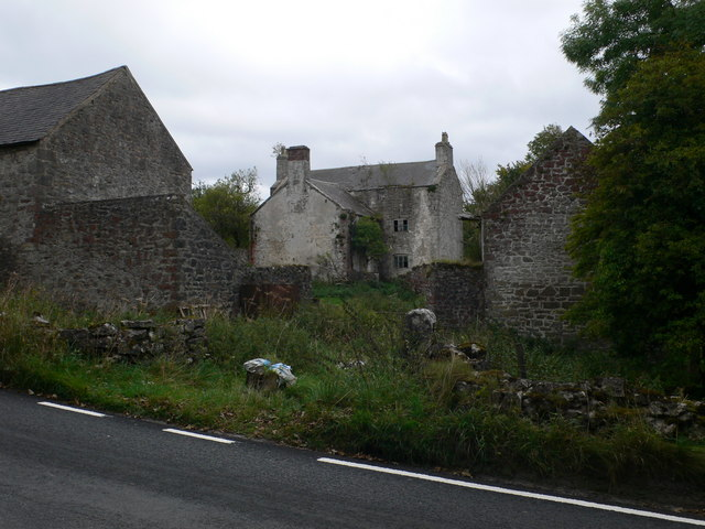 Deserted farm near Graianrhyd