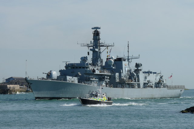HMS St.Albans Enters Portsmouth Harbour