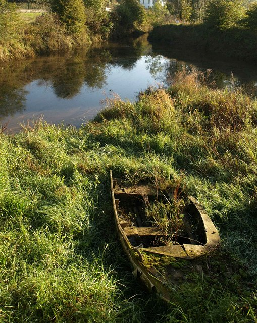 Old boat at Aveton Gifford