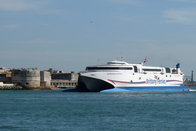 Normandie Express Enters Portsmouth Harbour